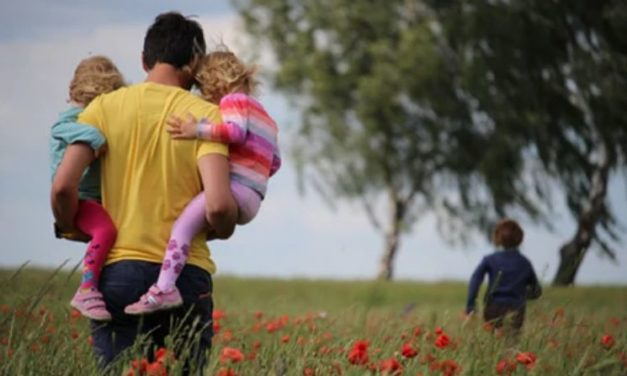 10 Ways To Be A Hero For Your Children